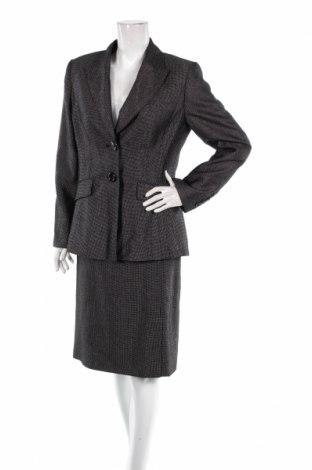 Дамски костюм Basler