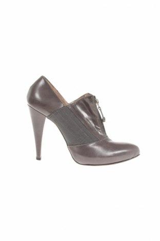 Дамски обувки Gf Ferre