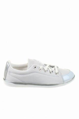 Încălțăminte de damă Adidas, Mărime 37, Culoare Gri, Textil, Preț 177,90 Lei