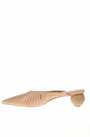 Чехли Reserved, Размер 41, Цвят Бежов, Естествена кожа, Цена 29,64лв.