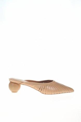 Чехли Reserved, Размер 39, Цвят Бежов, Естествена кожа, Цена 29,64лв.