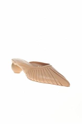 Чехли Reserved, Размер 38, Цвят Бежов, Естествена кожа, Цена 33,82лв.
