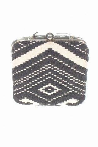 Дамска чанта Parfois, Цвят Черен, Текстил, Цена 10,08лв.