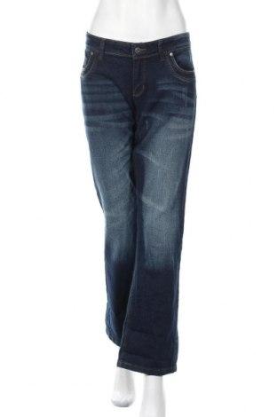 Γυναικείο Τζίν Famous, Μέγεθος L, Χρώμα Μπλέ, 98% βαμβάκι, 2% ελαστάνη, Τιμή 16,01€