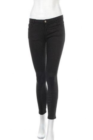 Дамски дънки Zara Trafaluc, Размер M, Цвят Черен, 64% лиосел, 25% памук, 9% полиестер, 2% еластан, Цена 49,14лв.