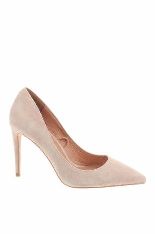 Γυναικεία παπούτσια Reserved, Μέγεθος 36, Χρώμα  Μπέζ, Φυσικό σουέτ, Τιμή 23,49€