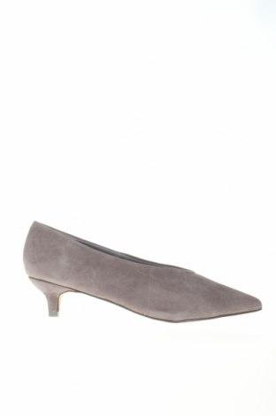 Γυναικεία παπούτσια Reserved, Μέγεθος 37, Χρώμα Γκρί, Φυσικό σουέτ, Τιμή 10,55€