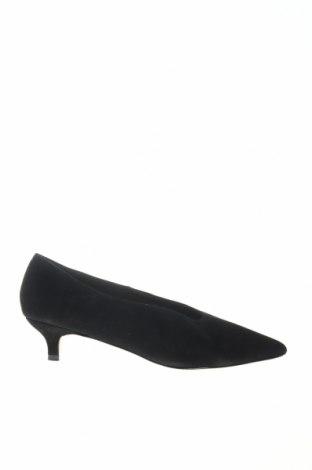 Γυναικεία παπούτσια Reserved, Μέγεθος 38, Χρώμα Μαύρο, Φυσικό σουέτ, Τιμή 25,65€
