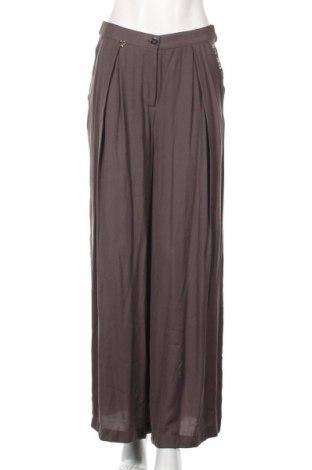 Дамски панталон La Mode Est A Vous, Размер S, Цвят Сив, 54% полиестер, 46% вискоза, Цена 40,30лв.