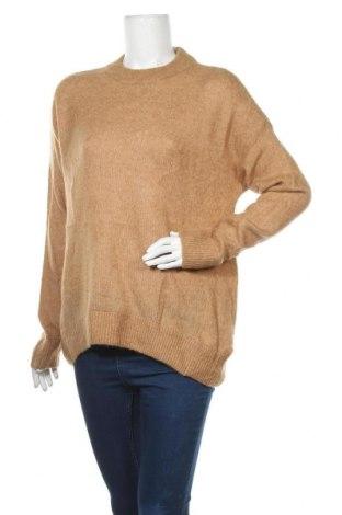 Дамски пуловер H&M, Размер M, Цвят Бежов, 43% полиамид, 20% акрил, 19% мохер, 13% вълна, 5% еластан, Цена 10,08лв.