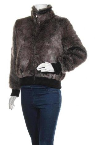 Дамско палто, Размер M, Цвят Сив, 97% акрил, 3% вълна, Цена 15,49лв.