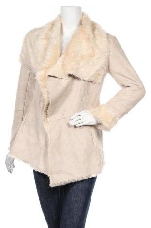 Дамско палто Bershka, Размер S, Цвят Бежов, Цена 14,44лв.