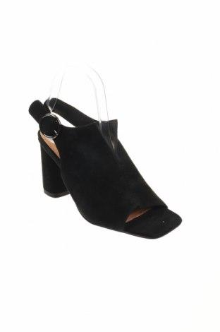 Σανδάλια Reserved, Μέγεθος 40, Χρώμα Μαύρο, Φυσικό σουέτ, Τιμή 21,14€
