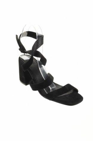 Σανδάλια Reserved, Μέγεθος 40, Χρώμα Μαύρο, Φυσικό σουέτ, Τιμή 22,17€