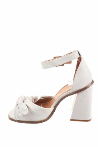 Σανδάλια Reserved, Μέγεθος 39, Χρώμα Λευκό, Γνήσιο δέρμα, Τιμή 25,23€