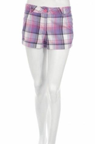 Pantaloni scurți de femei Puma