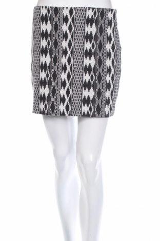 Пола Gina Tricot, Размер M, Цвят Черен, 55% памук, 45% полиестер, Цена 4,32лв.