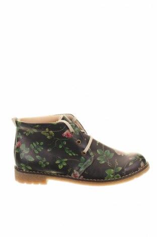 Női cipők Goby