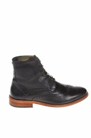 Мъжки обувки Barbour