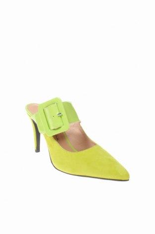 Чехли Roberto Botella, Размер 40, Цвят Зелен, Естествен велур, еко кожа, Цена 52,82лв.