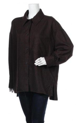 Дамска риза Weekday, Размер M, Цвят Кафяв, 50% вълна, 40% полиестер, 10% други нишки, Цена 37,91лв.