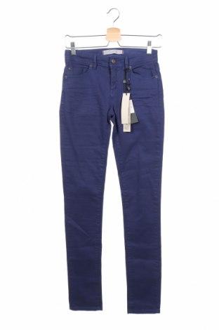 Дамски дънки IKKS, Размер XS, Цвят Син, 98% памук, 2% еластан, Цена 126,75лв.