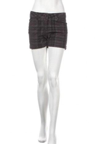 Дамски къс панталон Mbj, Размер S, Цвят Черен, 98% памук, 2% еластан, Цена 6,83лв.