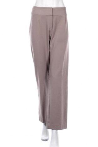 Дамски панталон Liz Jordan, Размер M, Цвят Бежов, 65% полиестер, 30% вискоза, 5% еластан, Цена 7,56лв.
