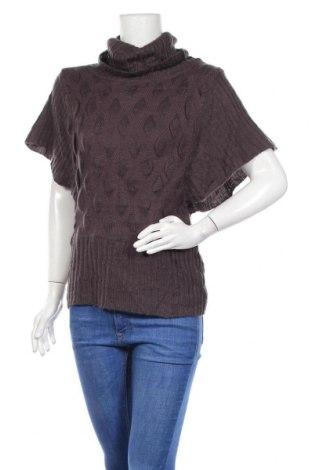 Дамски пуловер, Размер S, Цвят Лилав, 40% мохер, 30% вълна, 15% полиестер, 15% акрил, Цена 8,40лв.