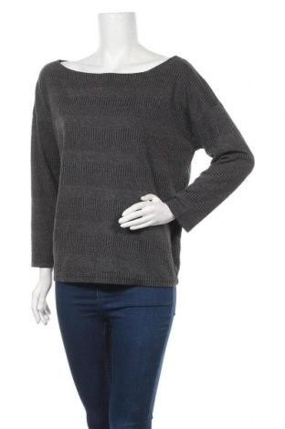 Дамски пуловер, Размер M, Цвят Сив, Цена 12,60лв.