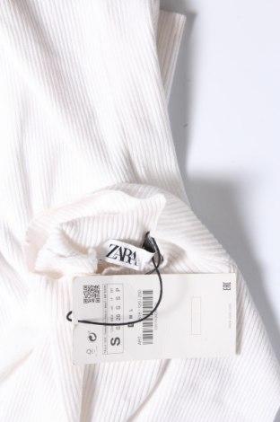 Дамски пуловер Zara, Размер S, Цвят Бял, 73% вискоза, 27% полиамид, Цена 12,87лв.
