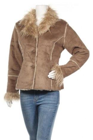Дамско палто, Размер M, Цвят Бежов, 100% полиестер, Цена 14,49лв.