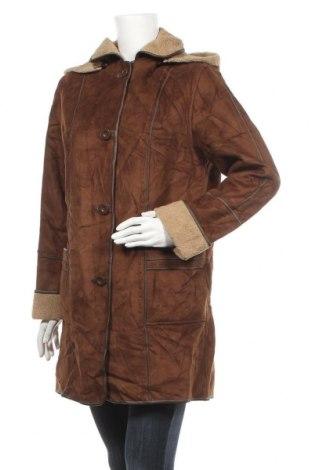 Дамско палто, Размер M, Цвят Кафяв, Полиестер, Цена 21,25лв.
