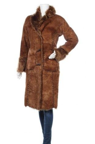 Дамско палто Amisu, Размер M, Цвят Кафяв, Полиестер, Цена 32,29лв.