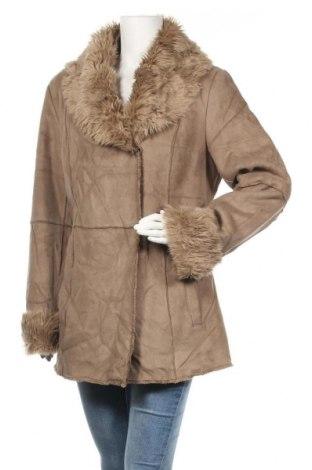 Дамско палто Gerry Weber, Размер XL, Цвят Бежов, Полиестер, Цена 41,11лв.