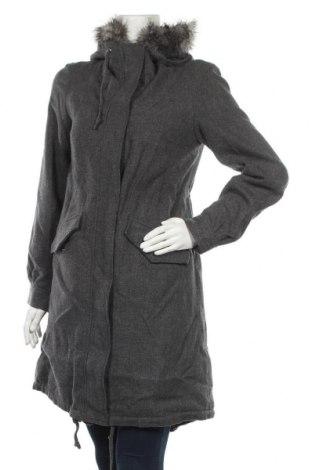 Дамско палто H&M, Размер S, Цвят Сив, 80% вълна, 15% полиестер, 5% коприна, Цена 36,86лв.