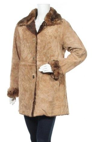 Дамско палто от естествен велур, Размер L, Цвят Бежов, Естествен велур, Цена 36,23лв.