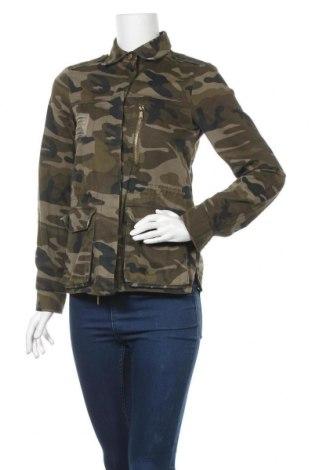 Дамско яке Pull&Bear, Размер S, Цвят Многоцветен, Памук, Цена 33,92лв.
