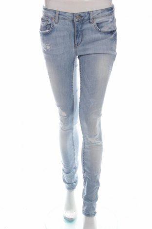 Damskie jeansy Perfect Jeans By Gina Tricot