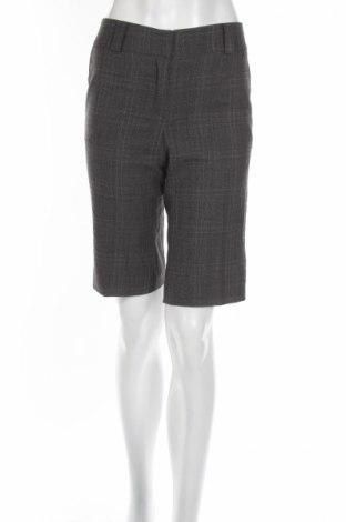 Дамски къс панталон Caroll