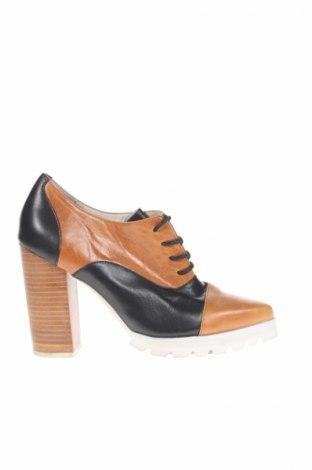 Дамски обувки, Размер 37, Цвят Кафяв, Естествена кожа, Цена 13,75лв.