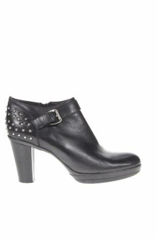 Γυναικεία παπούτσια Pia Tozzi