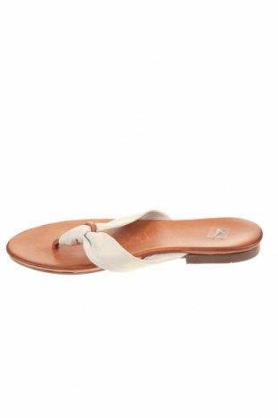 Чехли Bata, Размер 37, Цвят Бял, Естествена кожа, Цена 35,10лв.