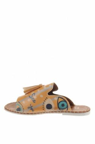 Чехли Dogo, Размер 36, Цвят Многоцветен, Еко кожа, Цена 51,75лв.