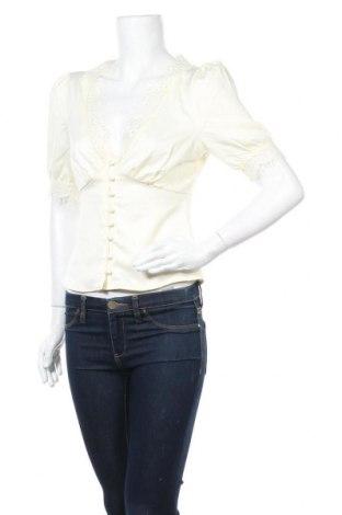 Дамска риза Fashion Union, Размер S, Цвят Екрю, 97% полиестер, 3% еластан, Цена 27,20лв.