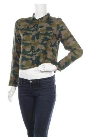 Дамска риза H&M Divided, Размер S, Цвят Зелен, Вискоза, Цена 9,60лв.