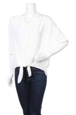 Дамска риза Vero Moda, Размер M, Цвят Бял, Вискоза, Цена 21,60лв.