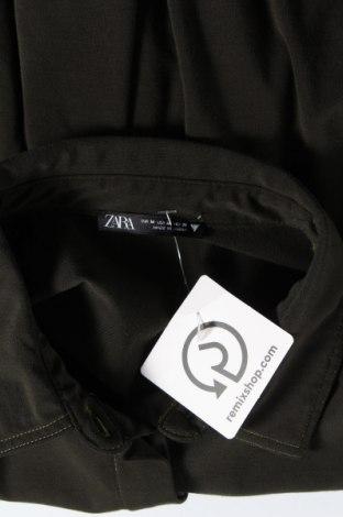 Дамска риза Zara, Размер M, Цвят Зелен, 69% полиестер, 31% вискоза, Цена 18,20лв.