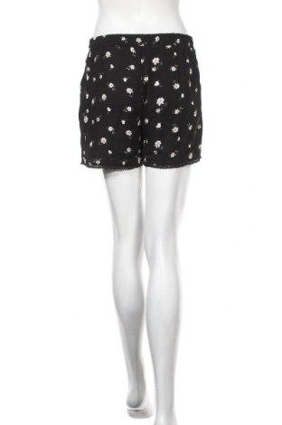 Дамски къс панталон Hailys, Размер M, Цвят Черен, Вискоза, Цена 34,50лв.