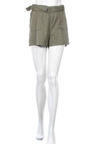 Γυναικείο κοντό παντελόνι ONLY, Μέγεθος M, Χρώμα Πράσινο, Lyocell, Τιμή 14,20€